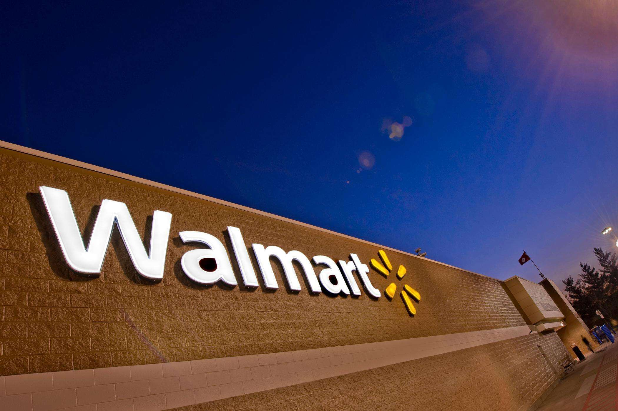 E-tail policy change makes Walmart and Amazon loses over $50 billion in market value