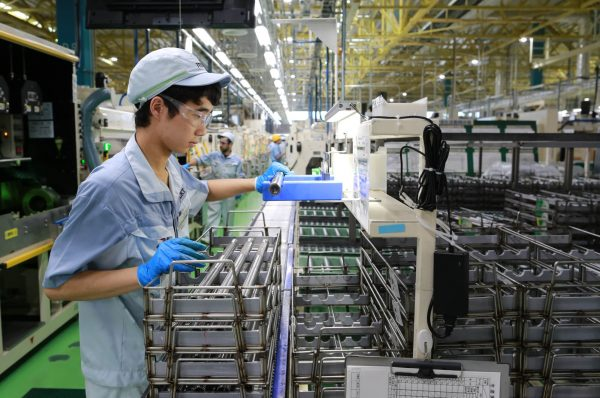 Japan Manufacturing Activities Shrink